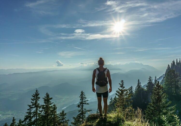 Homem nas montanhas - Dicas de Viagem