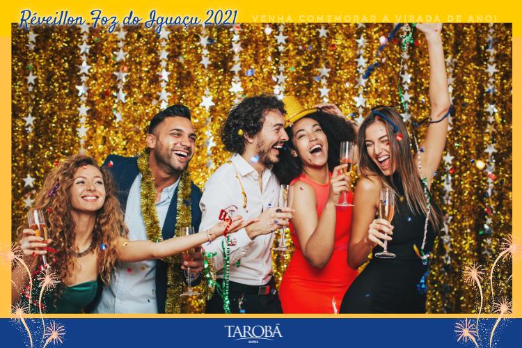 Pessoas comemorando ano novo - Réveillon Foz do Iguaçu